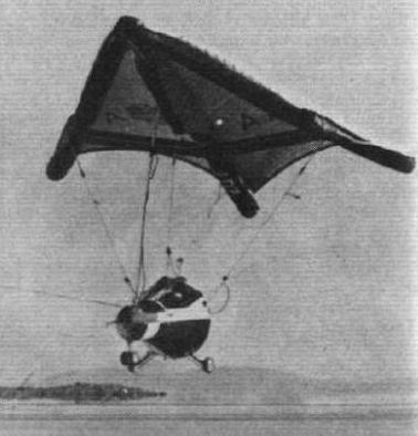 Parapente Gemini durante las pruebas en la base de la fuerza aérea Edwards en agosto de 1964.