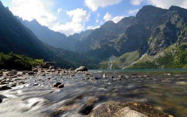 В аномальной зоне на горе Арагац вода течет вверх