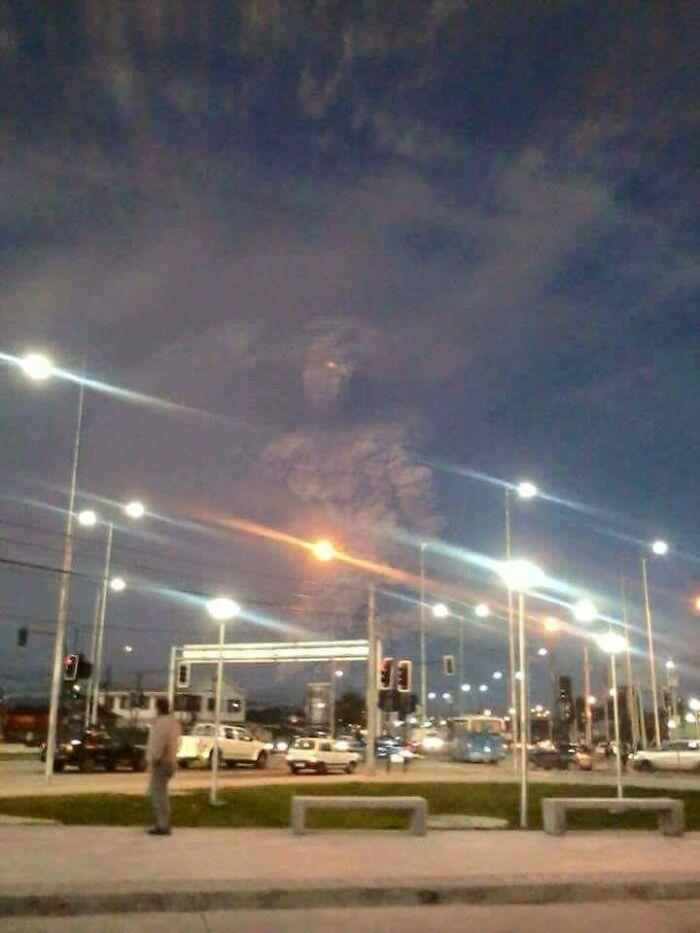 Una nube de ceniza volcánica en Chile es como un monstruo gigante causado desde el inframundo