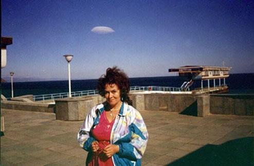Sola nube sobre el mar. Archivo De La A. C. Кузовкина. Traducido del servicio de «Yandex.Traductor»