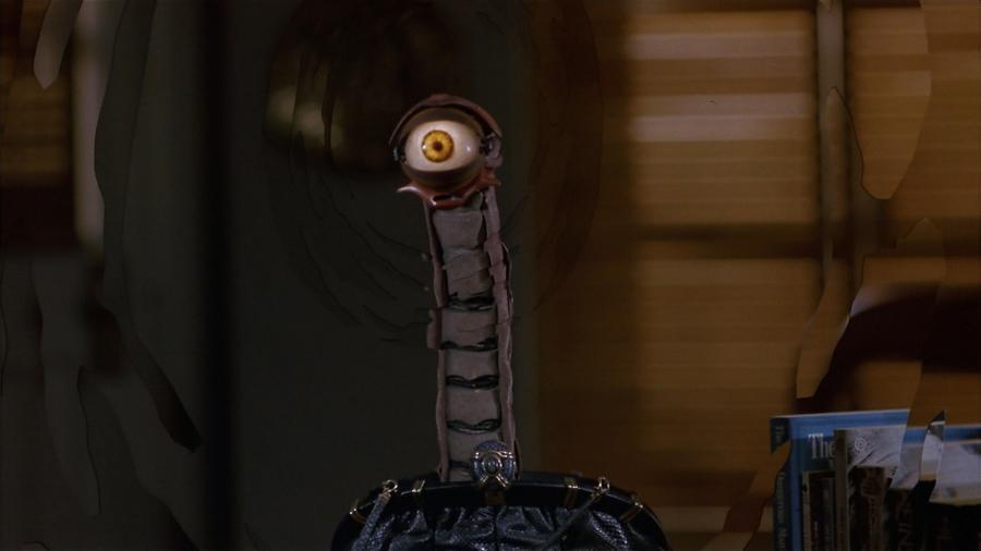 Змея-робот из сумочки пришельца