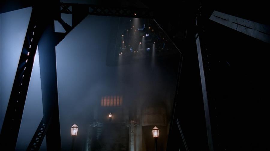 НЛО над мостом