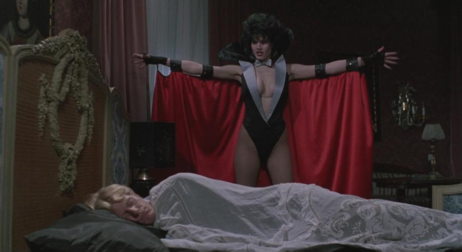 Una mujer que se hace pasar por un vampiro